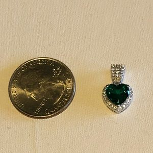 Jewelry - Emerald Heart Necklace Pick L